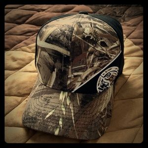 Eagles 🦅 Logo Realtree Hat
